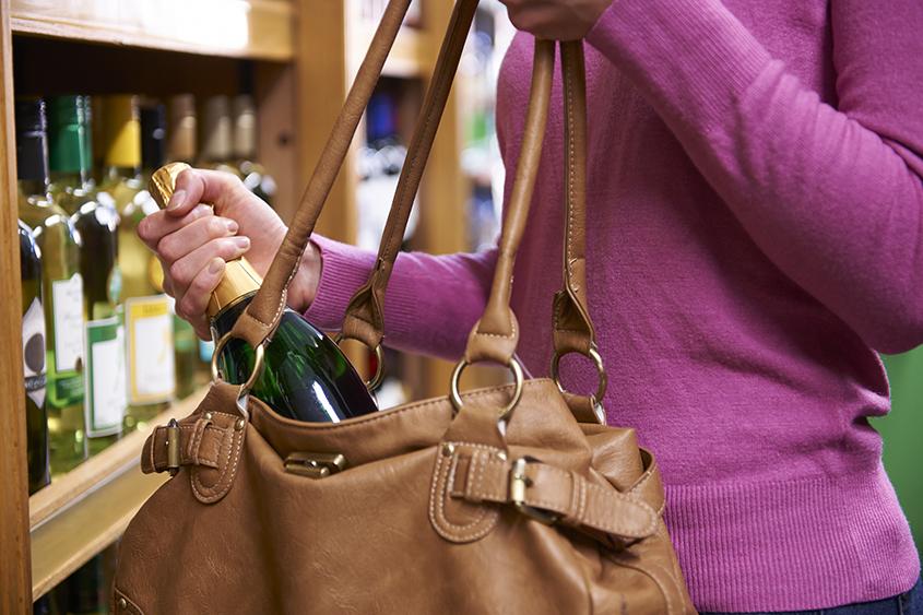 Prevenção de furtos em supermercados.