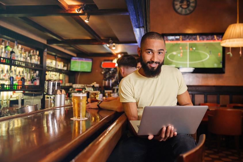 como usar tecnologia na gestão de bares