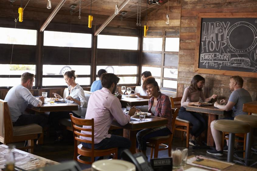 consumidor brasileiro de bares e restaurantes
