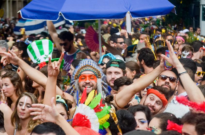 Folia nos restaurantes saiba como atrair clientes no carnaval!